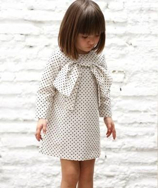 Wie kombinieren: weißes gepunktetes Kleid