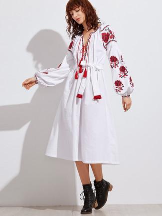 size 40 73ccd 073d9 weißes und rotes besticktes Folklore Kleid, schwarze ...