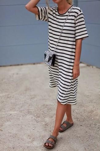 weißes und schwarzes Freizeitkleid von RED Valentino
