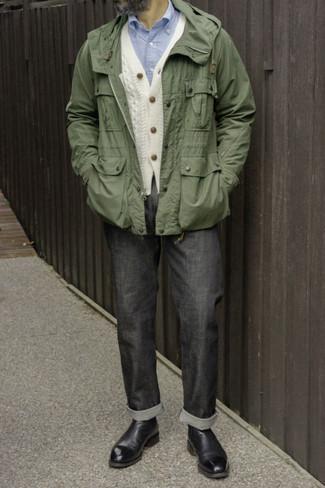 Dunkelgraue Jeans kombinieren – 500+ Herren Outfits: Kombinieren Sie eine olivgrüne Windjacke mit dunkelgrauen Jeans, um mühelos alles zu meistern, was auch immer der Tag bringen mag. Fühlen Sie sich mutig? Vervollständigen Sie Ihr Outfit mit schwarzen Chelsea Boots aus Leder.