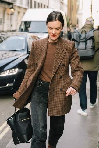 Kombinieren Sie ein braunes wollzweireiher-sakko mit hahnentritt-muster mit einer schwarzen leder beuteltasche für damen von Saint Laurent, um einen schicken, glamurösen Outfit zu schaffen.