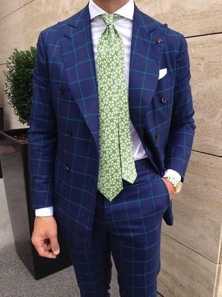 Wie kombinieren: blaues Zweireiher-Sakko mit Karomuster, weißes Businesshemd, blaue Anzughose mit Karomuster, weiße und grüne bedruckte Krawatte