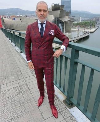 Rote Leder Oxford Schuhe kombinieren – 121 Herren Outfits: Kombinieren Sie ein rotes Zweireiher-Sakko mit Schottenmuster mit einer roten Anzughose mit Schottenmuster für eine klassischen und verfeinerte Silhouette. Komplettieren Sie Ihr Outfit mit roten Leder Oxford Schuhen.