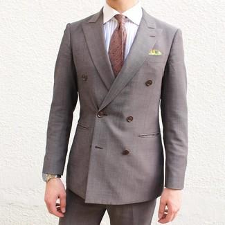 Wie kombinieren: braunes Zweireiher-Sakko, weißes vertikal gestreiftes Businesshemd, braune Anzughose, braune gepunktete Krawatte