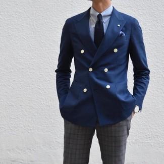 Dunkelgraue Anzughose mit Schottenmuster kombinieren: trends 2020: Erwägen Sie das Tragen von einem dunkelblauen Zweireiher-Sakko und einer dunkelgrauen Anzughose mit Schottenmuster, um vor Klasse und Perfektion zu strotzen.