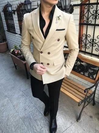 Schwarze Anzughose kombinieren: trends 2020: Kombinieren Sie ein hellbeige Zweireiher-Sakko mit einer schwarzen Anzughose für eine klassischen und verfeinerte Silhouette. Wählen Sie die legere Option mit schwarzen Chelsea Boots aus Leder.