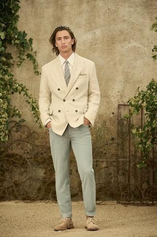 Krawatte kombinieren – 500+ Herren Outfits: Kombinieren Sie ein hellbeige Leinen Zweireiher-Sakko mit einer Krawatte für einen stilvollen, eleganten Look. Fühlen Sie sich mutig? Ergänzen Sie Ihr Outfit mit beige Wildleder Brogues.