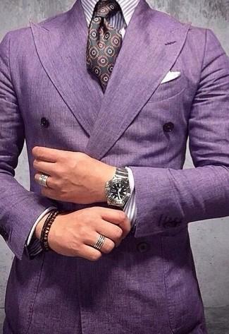 30 Jährige: Lila vertikal gestreiftes Businesshemd kombinieren – 26 Herren Outfits: Kombinieren Sie ein lila vertikal gestreiftes Businesshemd mit einem lila Zweireiher-Sakko, um vor Klasse und Perfektion zu strotzen.