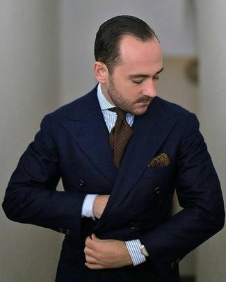 Wie kombinieren: dunkelblaues Wollzweireiher-sakko, hellblaues vertikal gestreiftes Businesshemd, dunkelbraune Strick Krawatte, olivgrünes Einstecktuch mit Paisley-Muster