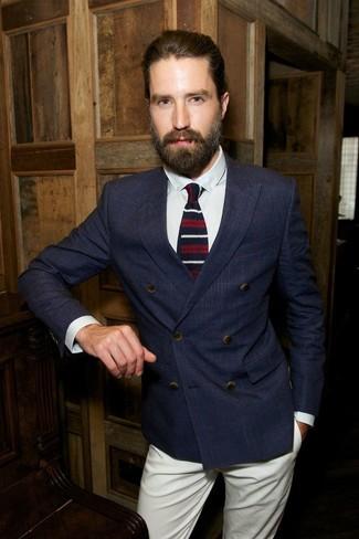 Zweireiher sakko dunkelblaues businesshemd weisses chinohose hellbeige krawatte weisse und rote und dunkelblaue large 8627