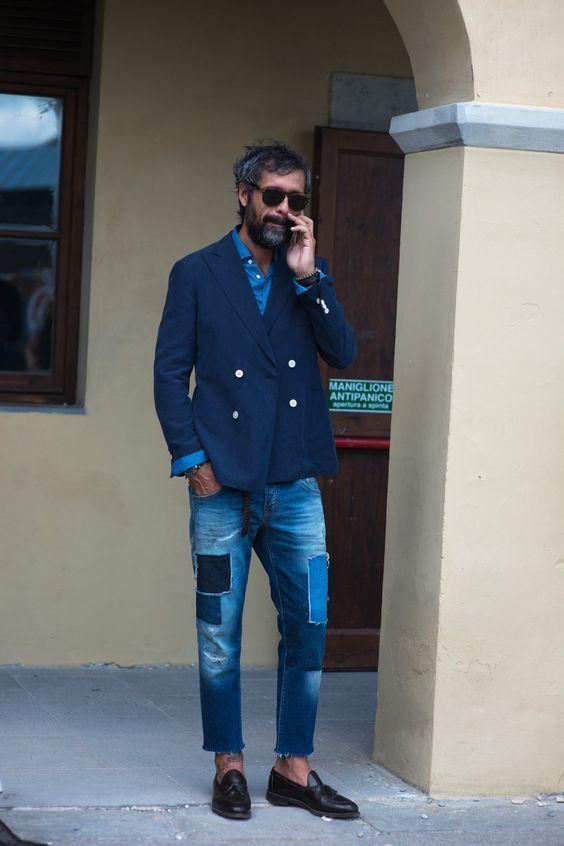 Blaues hemd und jeans