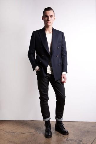 Schwarze hose dunkelblauer blazer
