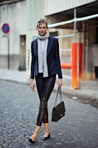 Outfit schwarze lederhose