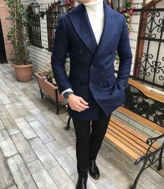 Wie kombinieren: dunkelblaues Wollzweireiher-sakko, weißer Rollkragenpullover, schwarze enge Jeans, schwarze Chelsea-Stiefel aus Leder
