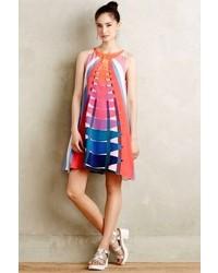 mehrfarbiges schwingendes Kleid