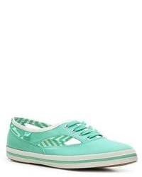 mintgrüne niedrige Sneakers