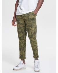 olivgrüne Camouflage Chinohose von ONLY & SONS
