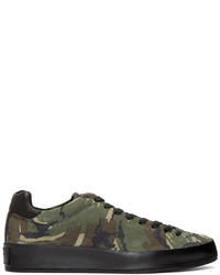 olivgrüne Camouflage niedrige Sneakers