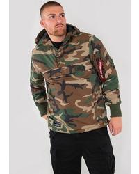 olivgrüne Camouflage Windjacke von Alpha Industries