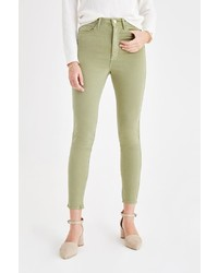 olivgrüne enge Jeans von OXXO
