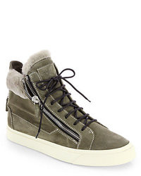 olivgrüne hohe Sneakers aus Wildleder