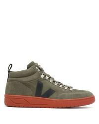 olivgrüne hohe Sneakers von Veja