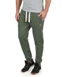 modische olivgrüne jogginghose für herren für herbst 2021 kaufen | lookastic