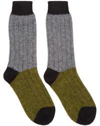 olivgrüne Socken von Haider Ackermann