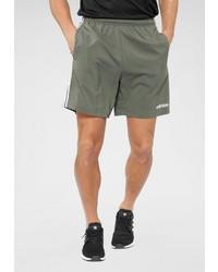 olivgrüne Sportshorts von adidas