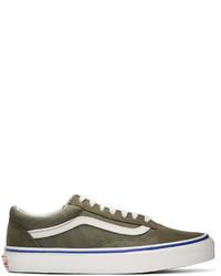 olivgrüne Wildleder niedrige Sneakers