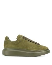 olivgrüne Wildleder niedrige Sneakers von Alexander McQueen