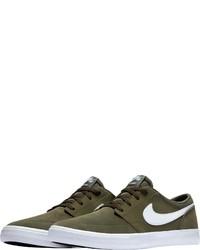 olivgrüne Wildleder niedrige Sneakers von Nike SB