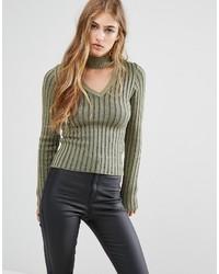 olivgrüner Pullover mit einem V-Ausschnitt von Missguided