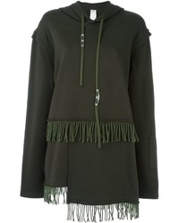 olivgrüner Pullover mit einer Kapuze