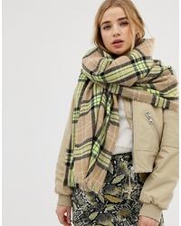 olivgrüner Schal mit Schottenmuster von New Look