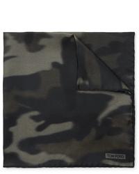 olivgrünes Camouflage Einstecktuch von Tom Ford