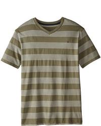 olivgrünes horizontal gestreiftes T-shirt