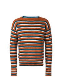 orange horizontal gestreifter Pullover mit einem Rundhalsausschnitt