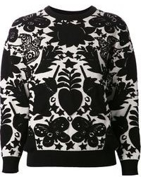 Entscheiden Sie sich für schwarzen kniehohe Stiefel aus Wildleder und einen Pullover mit einem Rundhalsausschnitt, um mühelos alles zu meistern, was auch immer der Tag bringen mag.
