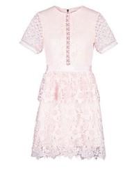 rosa ausgestelltes Kleid aus Spitze von Ted Baker