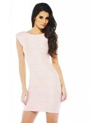 rosa figurbetontes Kleid