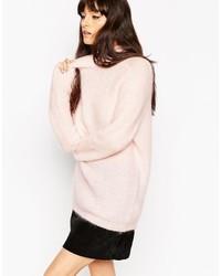 rosa flauschiger Pullover mit einem Rundhalsausschnitt von Asos