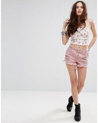 rosa Jeansshorts mit Destroyed-Effekten von Missguided