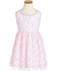 rosa Kleid mit Blumenmuster