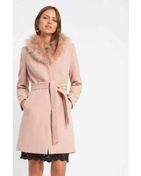 rosa Mantel mit einem Pelzkragen von ORSAY