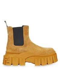 rotbraune Chelsea Boots aus Wildleder von Fendi