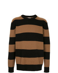 rotbrauner horizontal gestreifter Pullover mit einem Rundhalsausschnitt