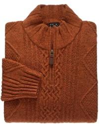 rotbrauner Pullover mit einem Reißverschluss am Kragen