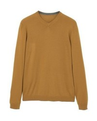 rotbrauner Pullover mit einem V-Ausschnitt von Mango