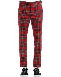 rote Anzughose mit Schottenmuster